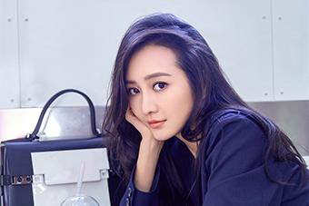 王鸥时尚街拍曝光缤纷心未泯