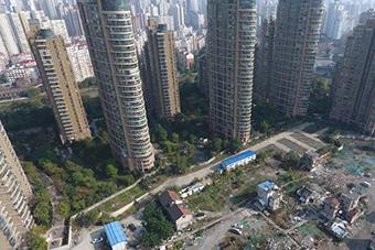 """上海闹市现""""最贵钉子户"""" 周边房价每平七八万"""