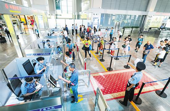 今年前8個月海口美蘭機場口岸出入境人數破61萬