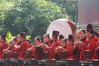 这个冬季 来三亚天涯海角体验汉式婚典