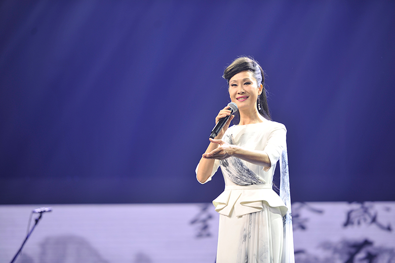 慈善文化音樂會舉行 于文華亮嗓