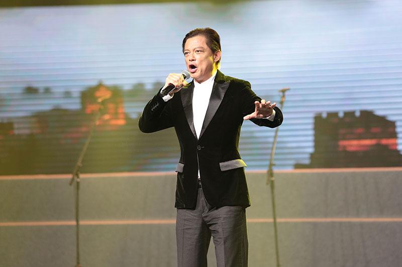 慈善文化音樂會舉行 莫華倫獻唱