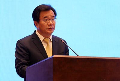 2018版《中国外交》白皮书在海南发布 展示中国扩大对外开放的信心