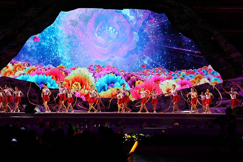 海南七仙温泉嬉水节大型民族歌舞晚会在保亭举行