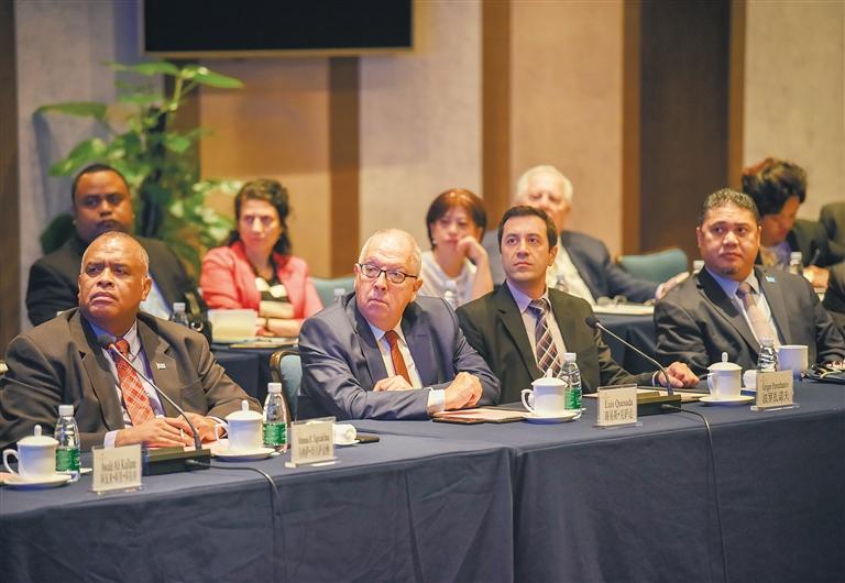 17國駐華使節出席中國海南自由貿易試驗區推介會