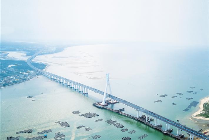 一橋橫跨四百年 滄海之上續地脈