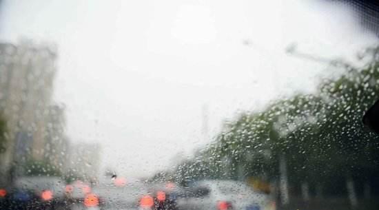 """受""""劍魚""""影響 海南強降雨天氣將持續到6日"""