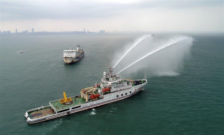 瓊州海峽舉行客滾船應急救助聯合訓練