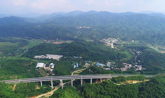 瓊中什統村:黨員帶頭示范 特色産業引領脫貧