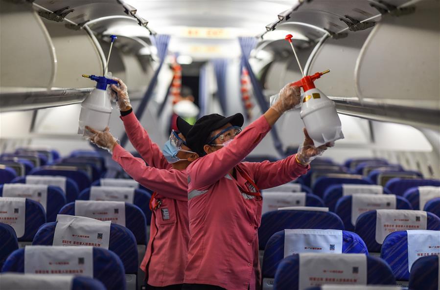 航班客艙消毒忙