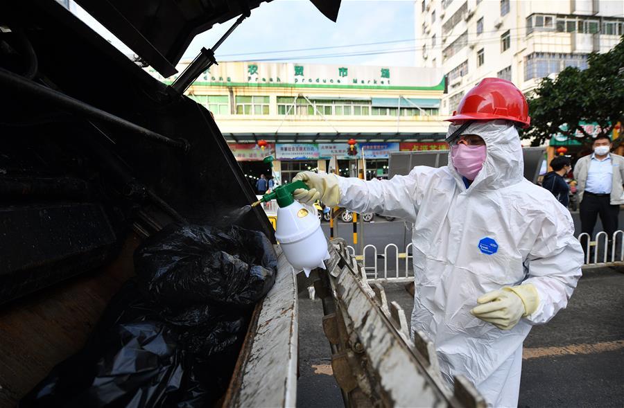 海南海口:住酒店的環衛工