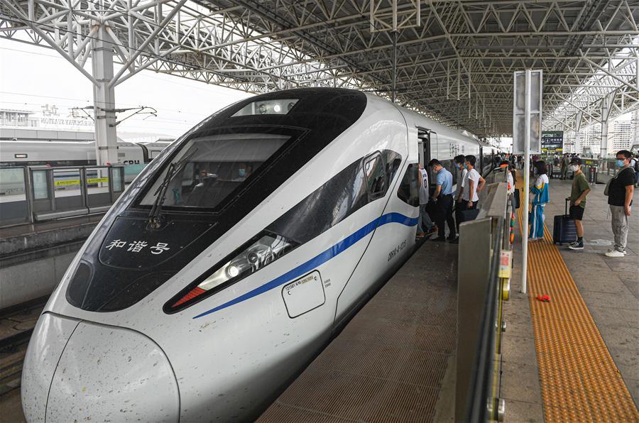 海南:加開多對高鐵列車 滿足端午出行需求