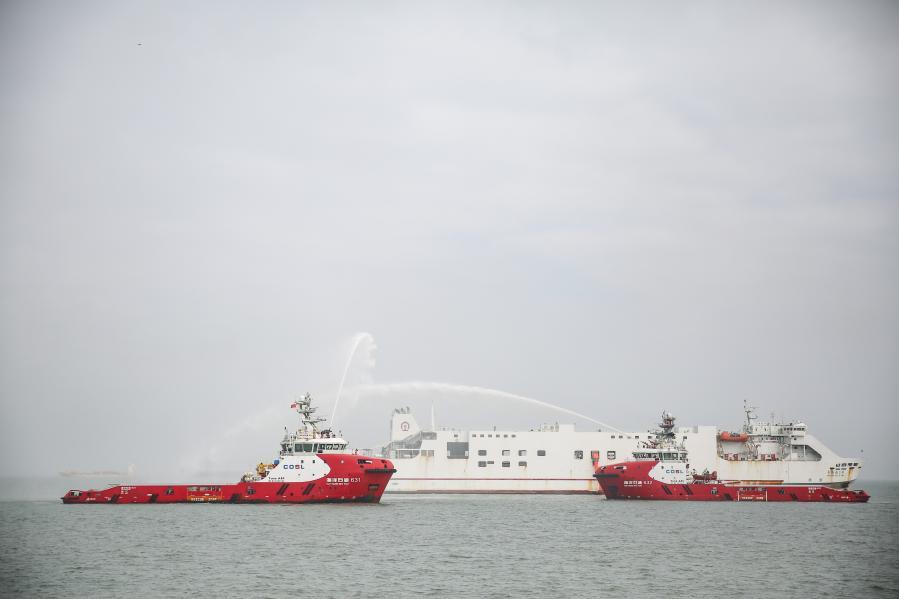 瓊州海峽火車輪渡海上應急救助綜合演練在海口舉行