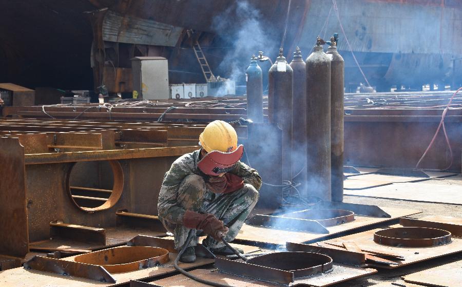 海南臨高:造船産業助脫貧
