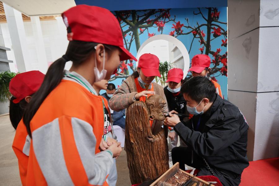 海南自貿港大國非遺工匠藝術珍品展在省博物館舉行
