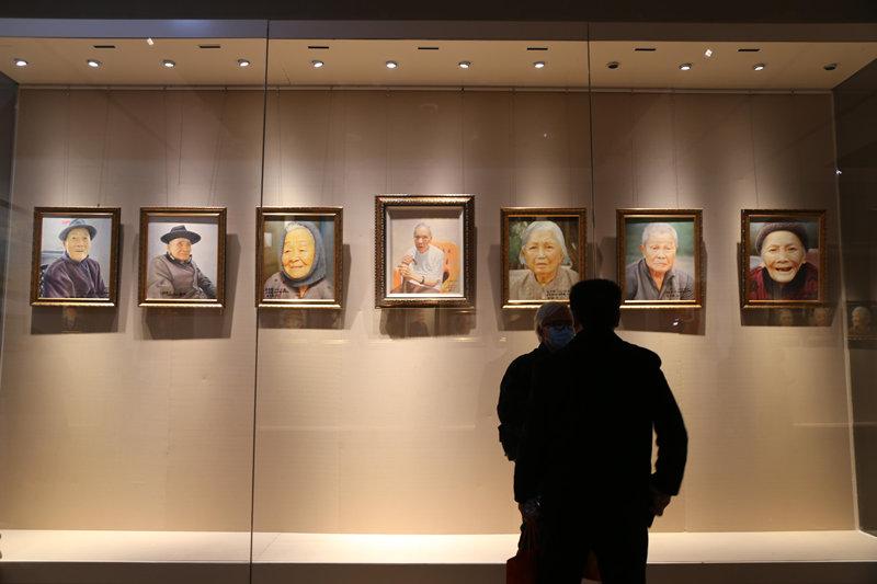 72幅海南百歲老人油畫 展示海南長壽者風貌