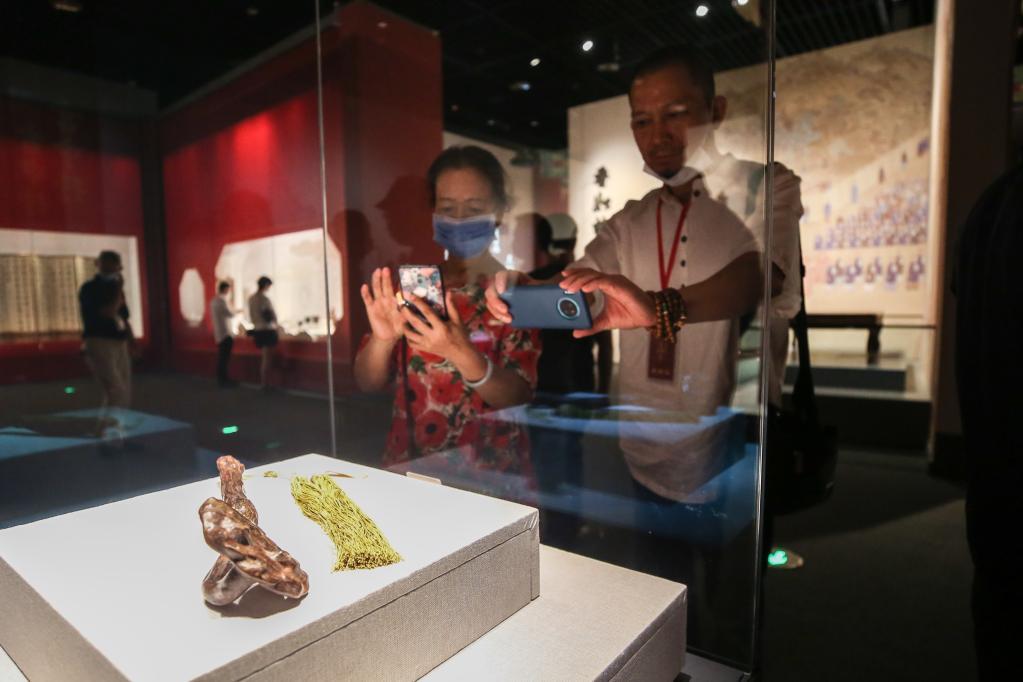 海南瓊海:故宮博物院藏黃花梨沉香文物展正式開展
