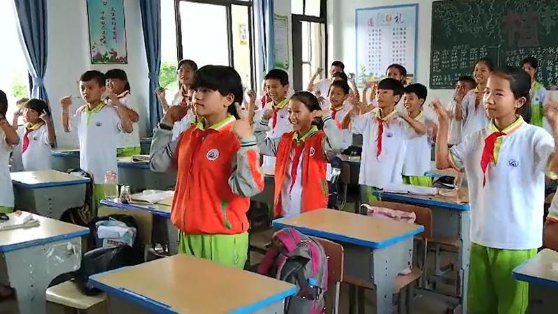 海南屯昌:校園拍手操普及禁毒教育